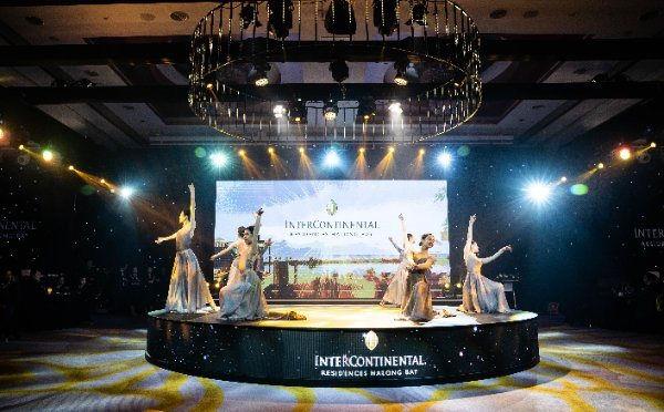 Múa ballet trên nền nhạc giao hưởng Four Seasons